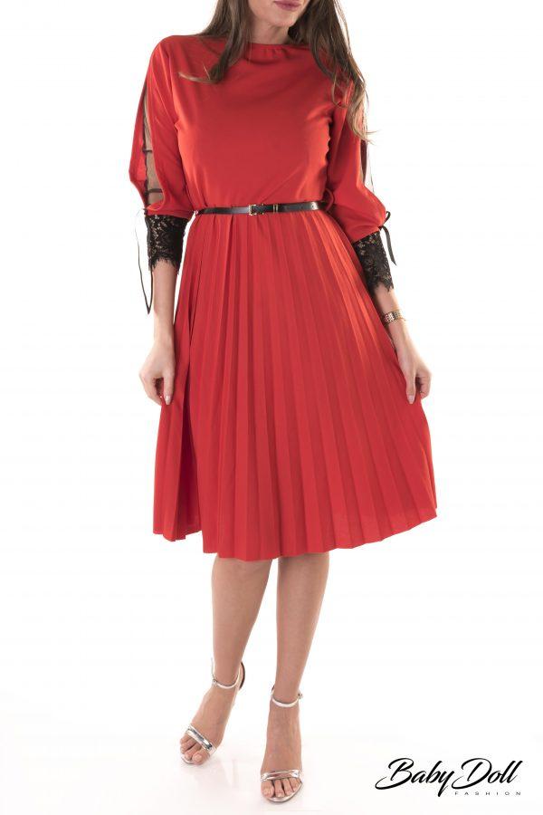 rochie cu insertie din dantela